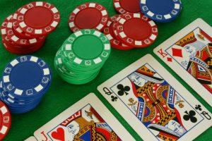 enfoque-estrategico-y-aleatorio-del-poquer-1024x682
